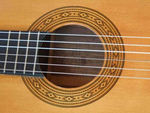 Konzertgitarre-04