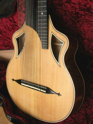 Wappengitarre-02