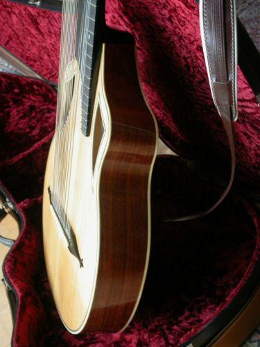 Wappengitarre-04